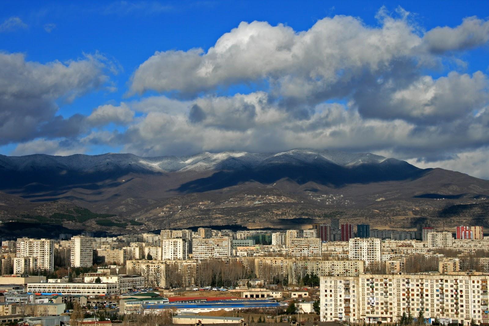 тбилиси гора возле тбилисского моря тэвз фото